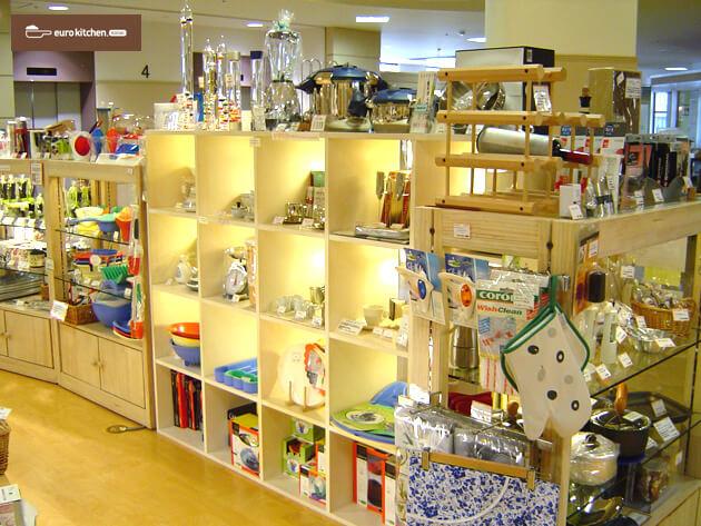 ユーロキッチンKASAI店舗写真